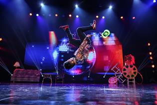 Shanghai Circus Presented by Amazing Acrobats of Shanghai in Branson, Missouri