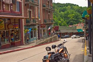 SWMOtorcycle Tours: Guided Motorcycle Tours in Forsyth, Missouri
