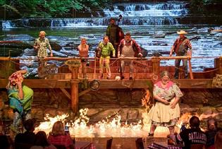 Hatfield & McCoy Dinner Feud in Pigeon Forge, Tennessee