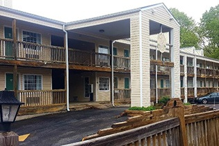 White Wing Lodge  in Branson, Missouri