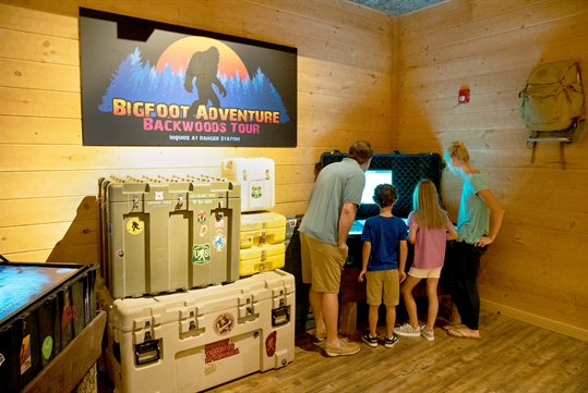 Hunt for Bigfoot! - Beyond The Lens! Family Fun in Pigeon Forge, TN