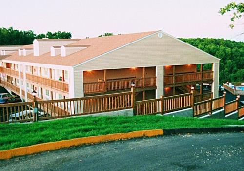 White Wing Lodge - Near Silver Dollar City in Branson, Missouri
