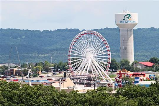 The old Navy Pier Ferris Wheel, now in Branson - Discover Branson Guided Tour in Branson, MO