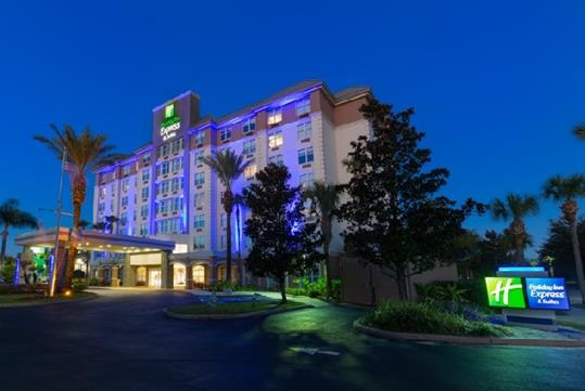 Holiday Inn Express & Suites Orlando S Lake Buena Vista