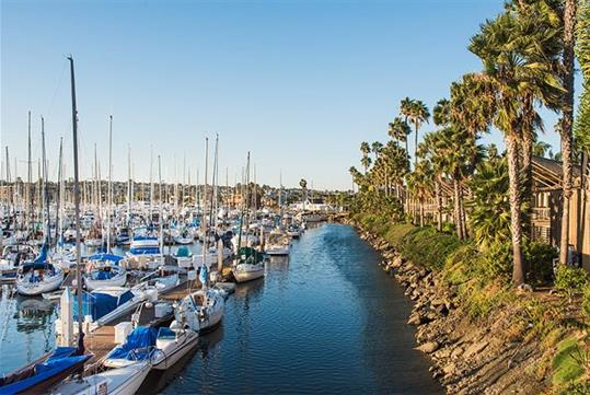 Situated on scenic Shelter Island and close to popular visitor attractions like the San Diego Zoo, SeaWorld and the Gaslamp Quarter and offering easy access to the San Diego International Airport, Humphreys Half Moon Inn offers guests an ideal location in the center of everything San Diego has to offer.
