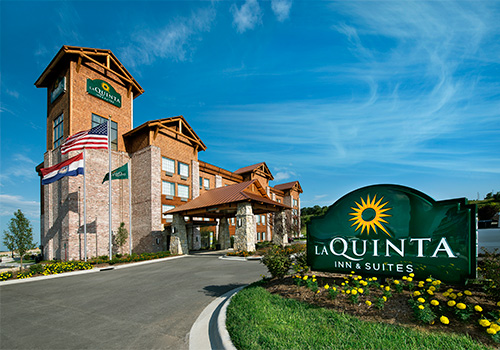 La Quinta Inn & Suites Hollister in Hollister , Missouri
