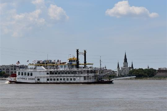 Enjoy the sights and sounds of the Mighty Mississippi River along the way such as Jackson Square and the St. Louis Cathedral.