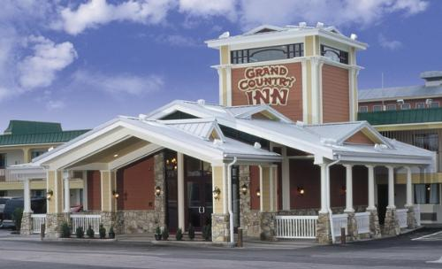 Grand Country Inn Branson Mo Branson Water Park Hotels Tripster