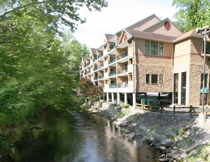 Gatlinburg Hotels with free parking