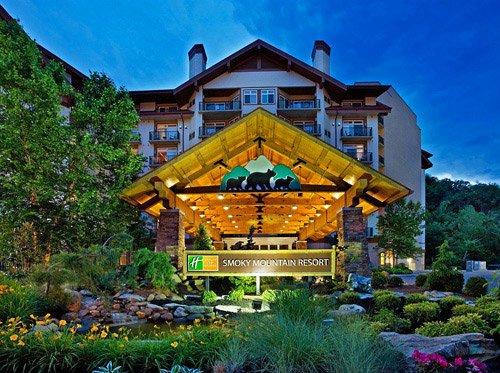 Holiday_Inn_Club_Vacations_Gatlinburg-Smoky_Mountain_(001)