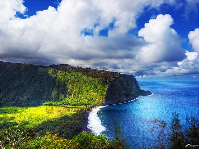 The Waipio Valley is one of the best Big Island Scenic Hikes