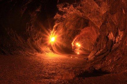 thurston-lava-tube-istock_000022745608xsmall