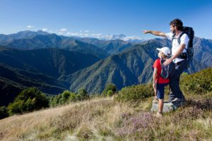 Hiking_ThinkStock_001