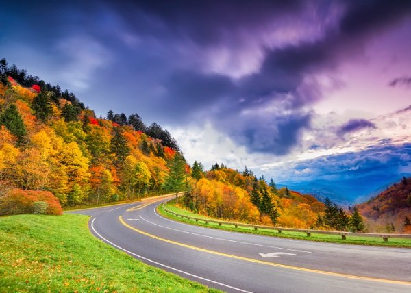 Pigeon Forge Fall Foliage is great in mid-September