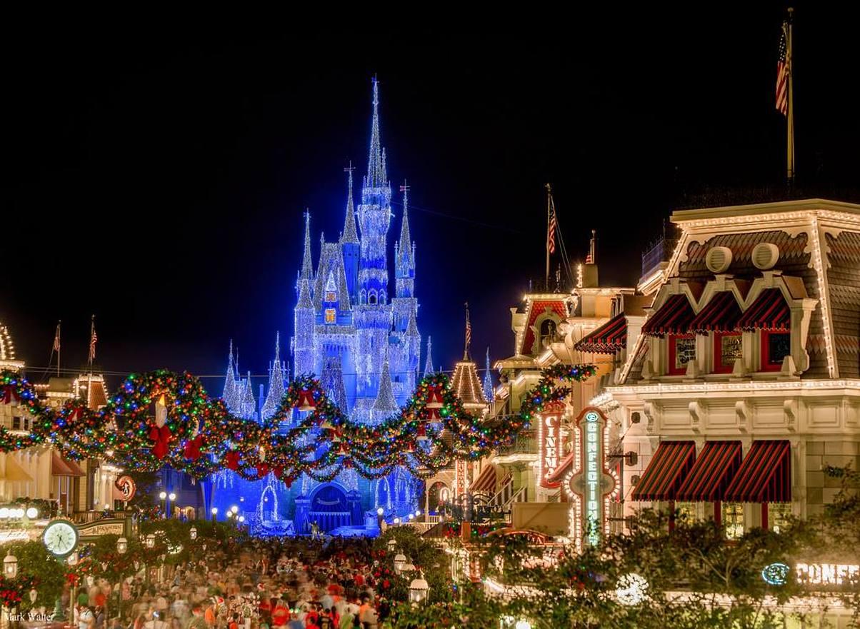 Holiday Highlights of Walt Disney World
