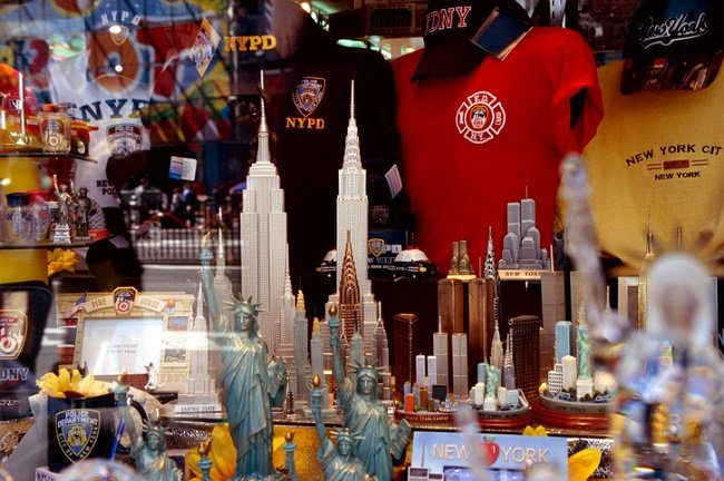 New York City souvenir shop display
