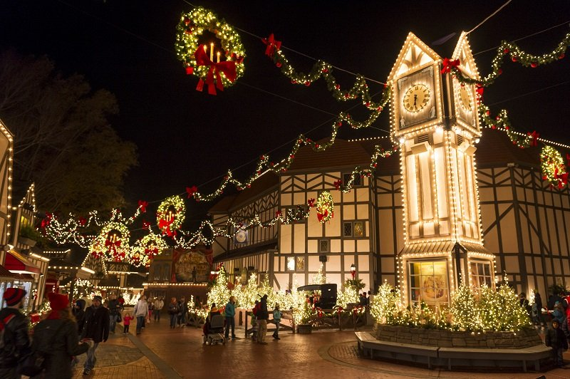 Celebrate the spirit of the season at Busch GardensÕ Christmas Townª. Enjoy heart-warming shows, holiday dining and shopping amid the glow of more than eight million lights. ©2016 SeaWorld Parks & Entertainment, Inc. All Rights Reserved.