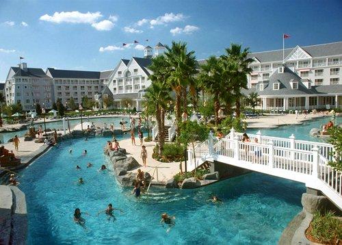 Disney_apos_s_Yacht_Club_Resort_(027)