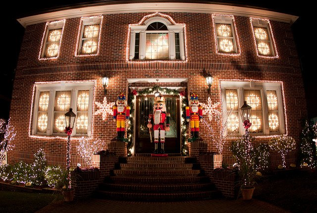 Dyker Heights 5284798508_f4e13a61f6_z