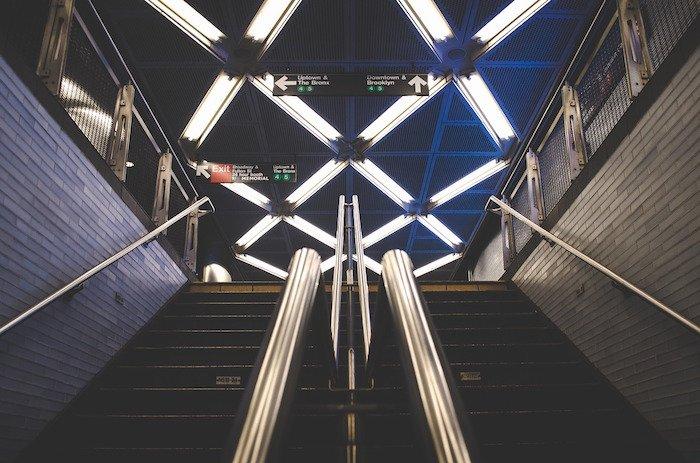 subway-863422_1280