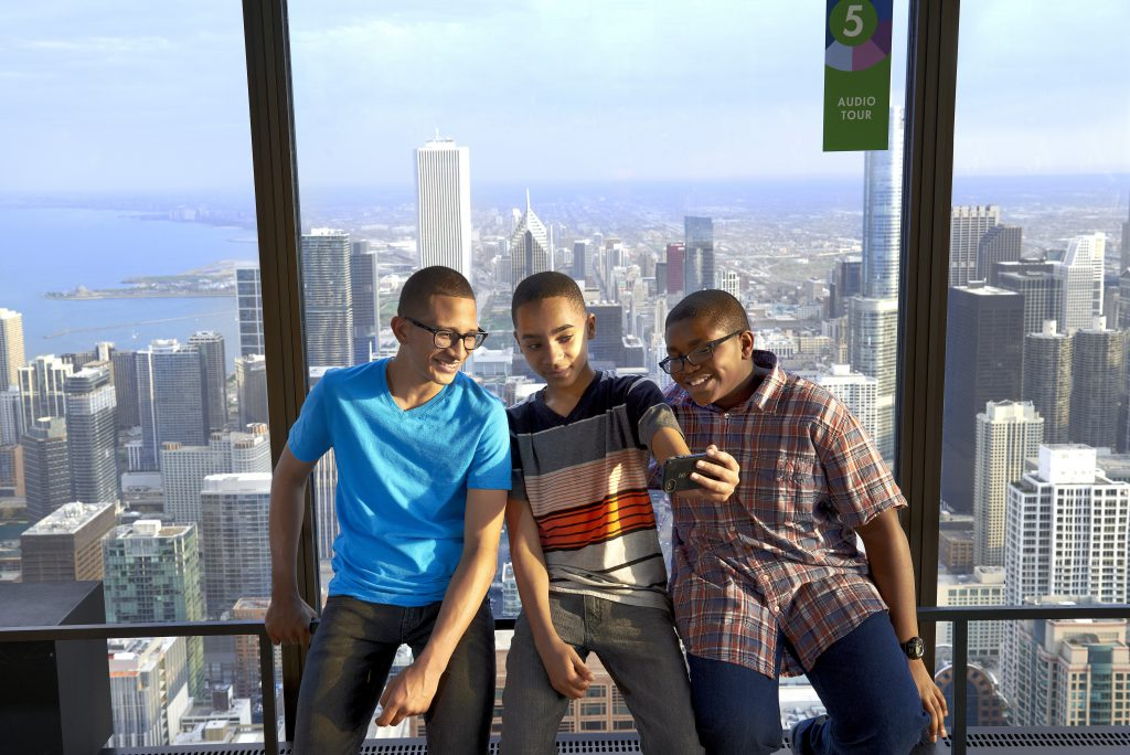 Among the coolest things to do in Chicago for kids? Selfies with the skyline!