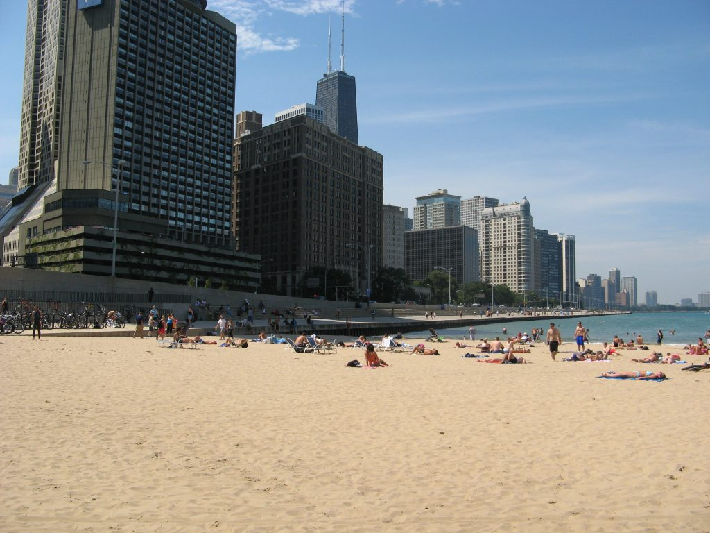 chicago_beaches_-_ohio_street_beach_1-wiki