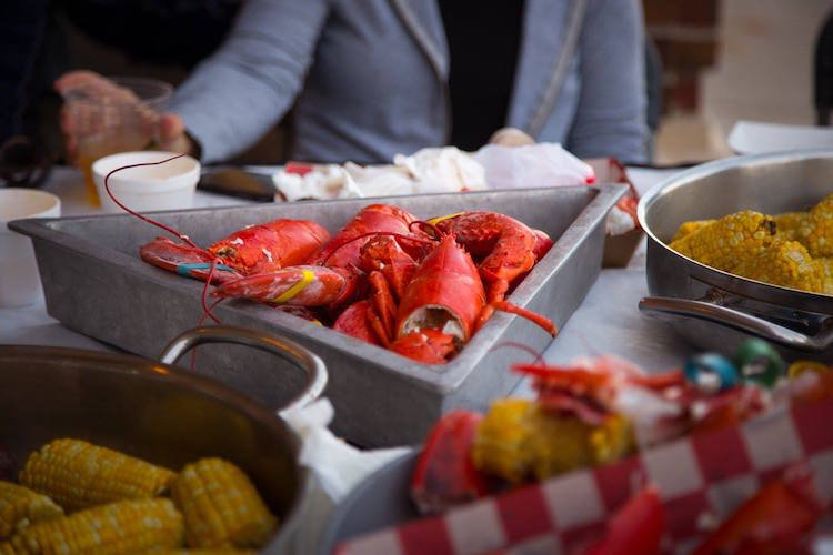 You can't pass up the opportunity to devour lobster in Chicago! The Chicago Festival Guide will tell you when and where you can.