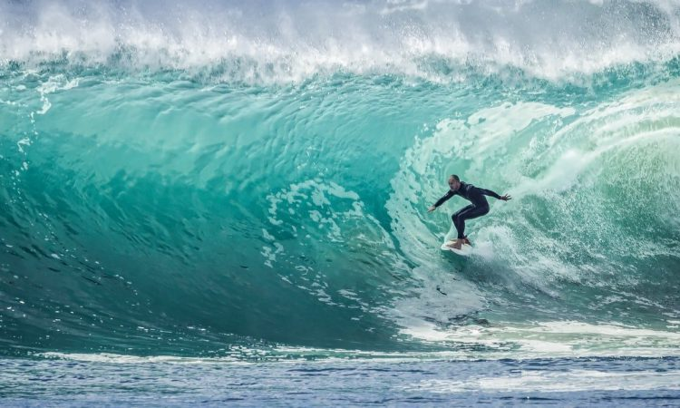 Best Beaches in Kauai for Beginner Surfers