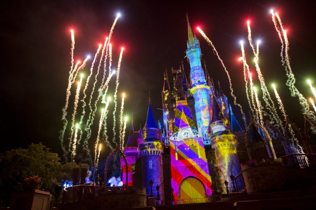 Wondering what to do in Orlando at night? Check out the theme parks!
