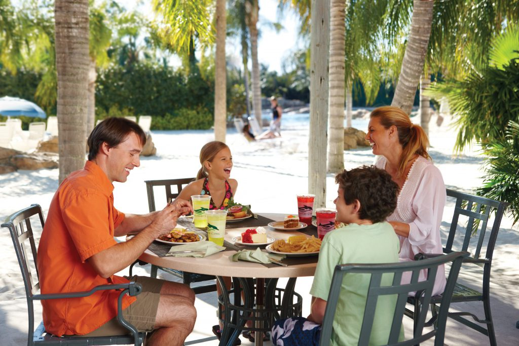 Use these Discovery Cove tips to amplify your visit