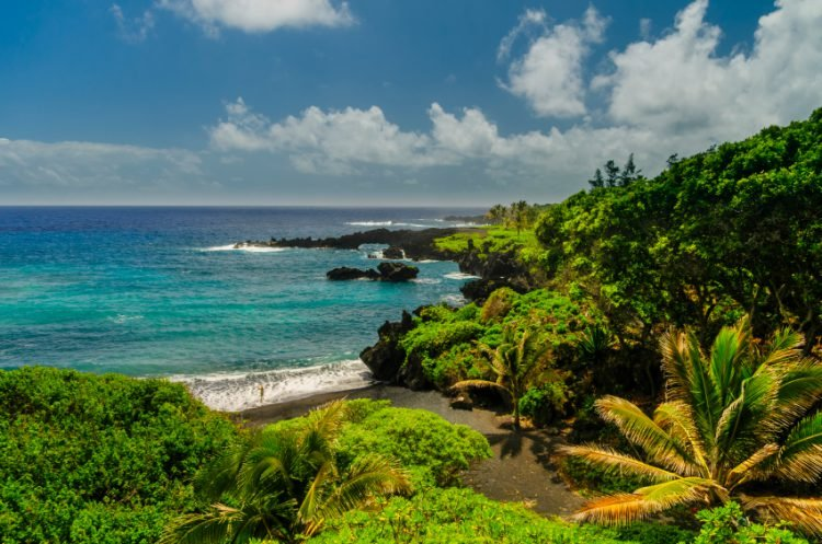 Affordable activities in Maui include the Road to Hana