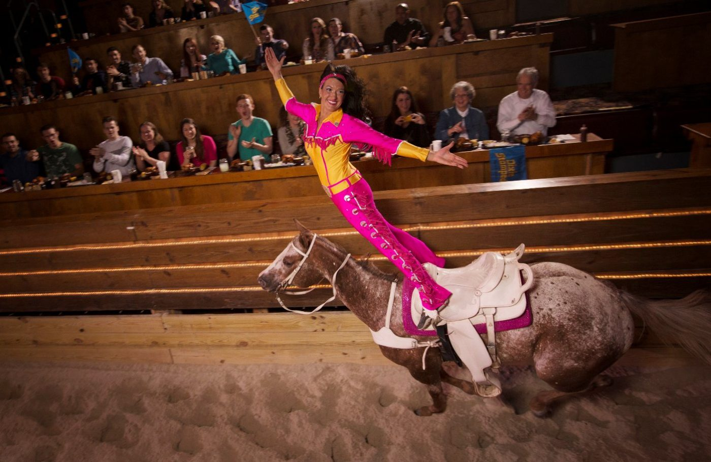 Expert Tips On Visiting Dolly Partons Stampede In Branson Mo