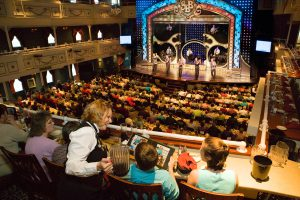 Showboat Branson Belle guests eating a meal and watching the show