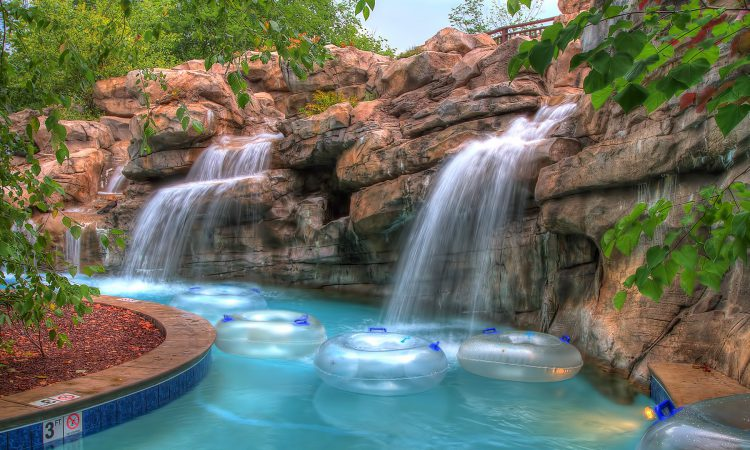 Pigeon Forge Hotels with Lazy River