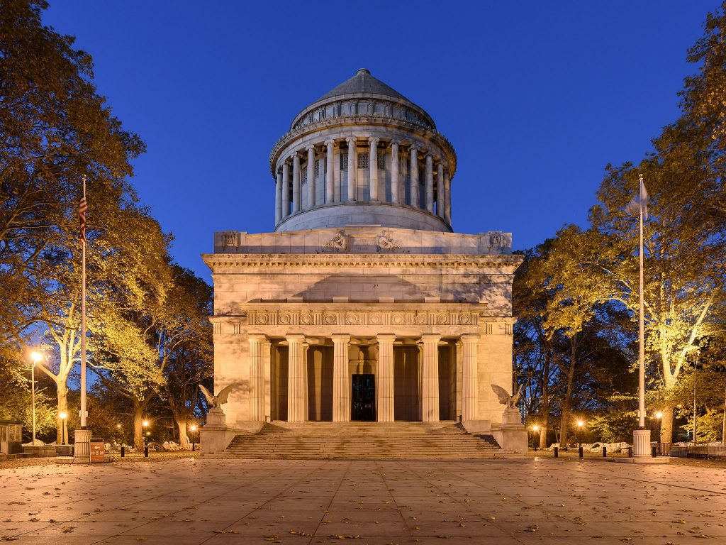 Grant's Tomb exterior at dusk in NYC