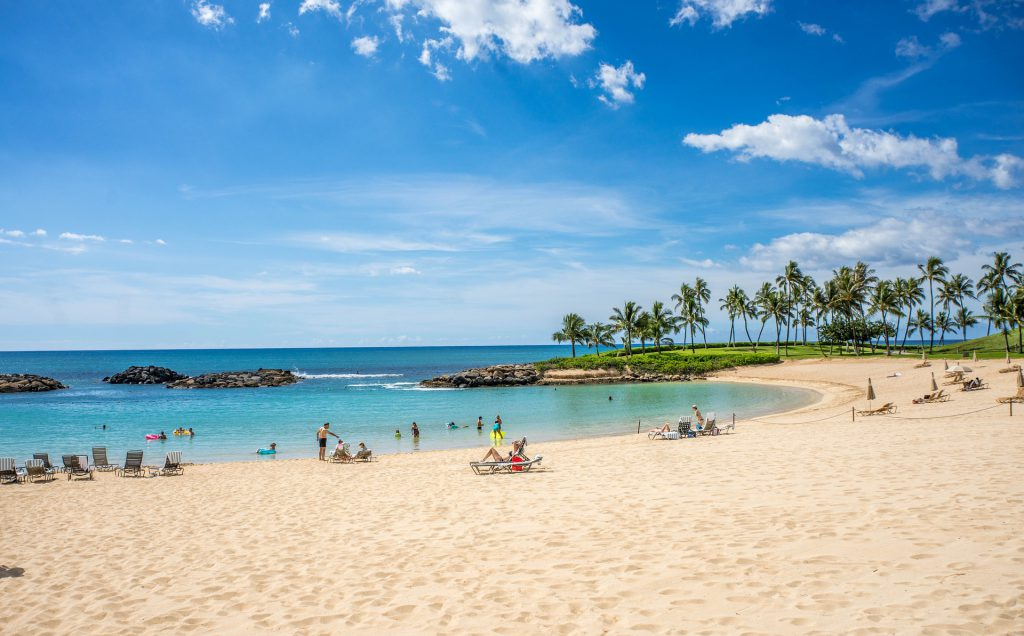 Wondering which of the best spring break destinations for families to visit? Why not vacation on this Hawaiian lagoon?