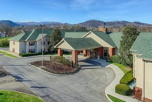 When looking for places to stay in Pigeon Forge, choose the All Season Suites