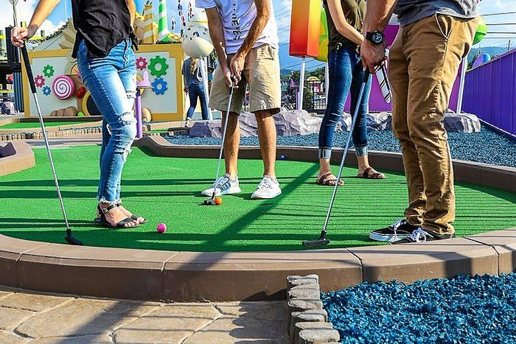 Mini Golf is among the best cheap things to do in Pigeon Forge